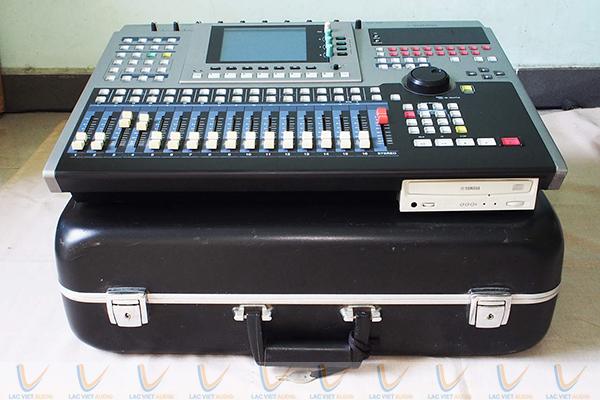 Mixer Yamaha AW4416 có đầu thu đĩa cứng