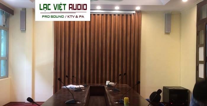 Loa cột và micro thương hiệu DB, chính hãng Lạc Việt Audio phân phối