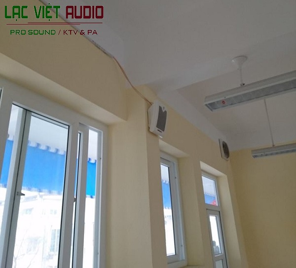 Thi công lắp đặt hệ thống âm thanh thông báo trong phòng học