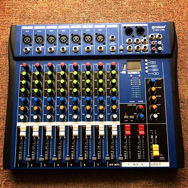 Một chiếc bàn mixer yamaha tiêu biểu