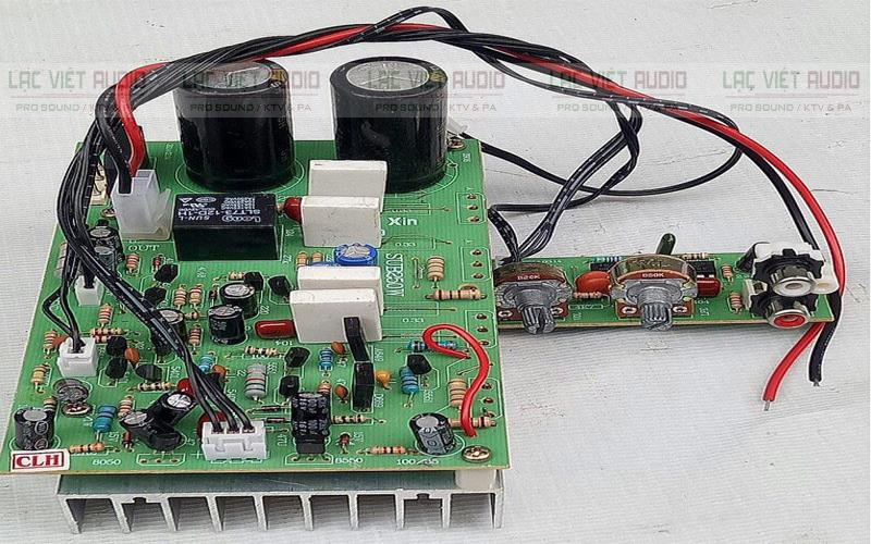 Chi tiết linh kiện của board công suất loa siêu trầm điện