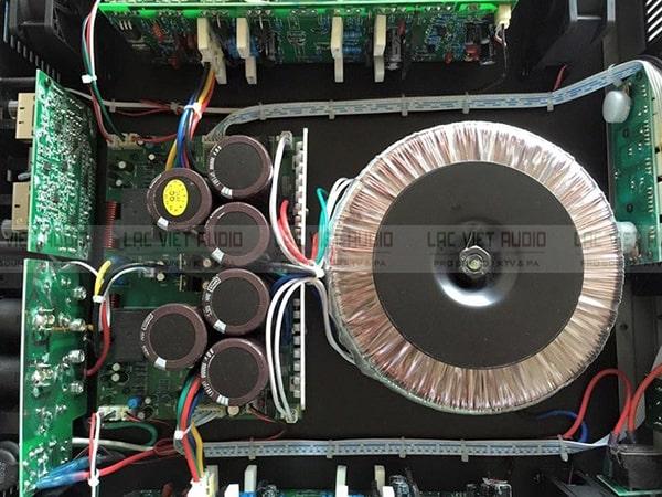 Linh kiện chất lượng bên trong cục đẩy Yamaha 24 sò