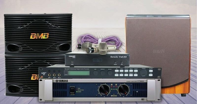 Dàn karaoke gia đình dưới 20 triệu đồng có thể bao gồm 6 thiết bị: 3 loa, 1, amply, 1 đầu karaoke, 1 Micro