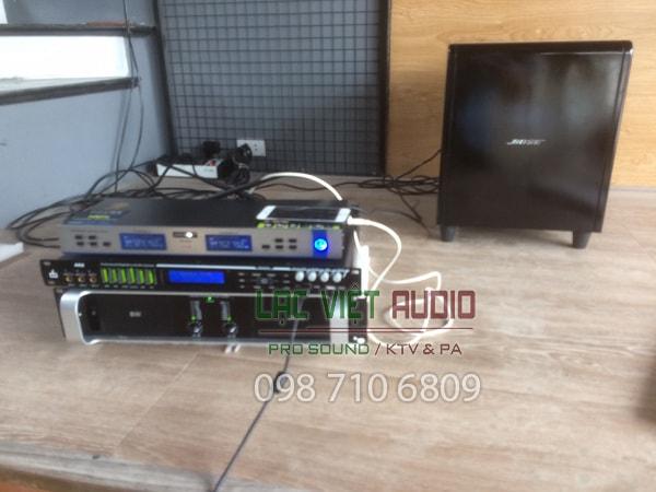 Cục đẩy 2 kênh BW D 2650, micro và vang số DB AK 8