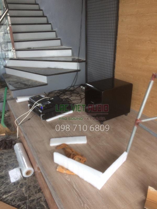 Hệ thống xử lý trung tâm và loa BOSE 1200 bass 30