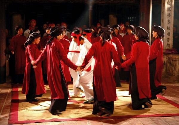 Hát Xoan phản ánh tín ngưỡng thờ cúng Hùng Vương và tín ngưỡng lúa nước cổ truyền của người Việt