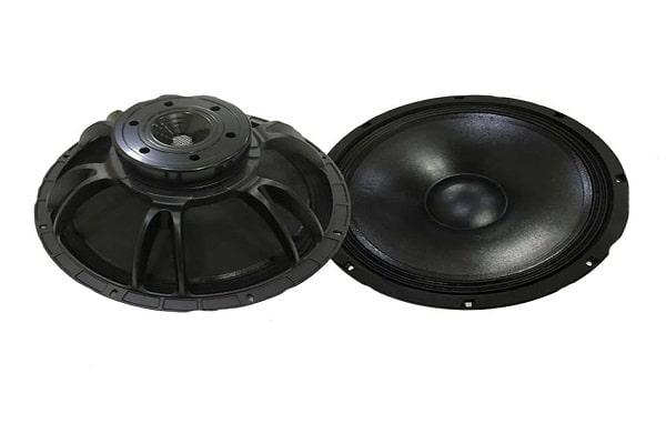 Khung của loa bass thường làm bằng kim loại có độ cứng cao