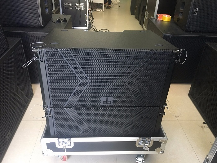 Hình ảnh loa array DB LA210F