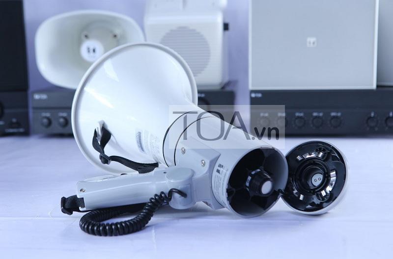 Loa cầm tay megaphone ER 3215 có thời lượng dung pin đến 9h đồng hồ