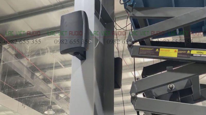 Loa treo tường là thiết bị được sử dụng chính cho dự án này.
