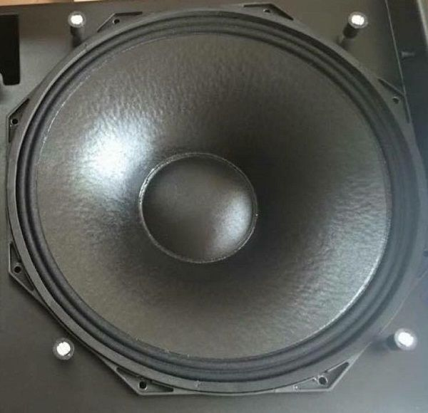 Bass loa Nexo Ls1200 có kích thước 18 Inch