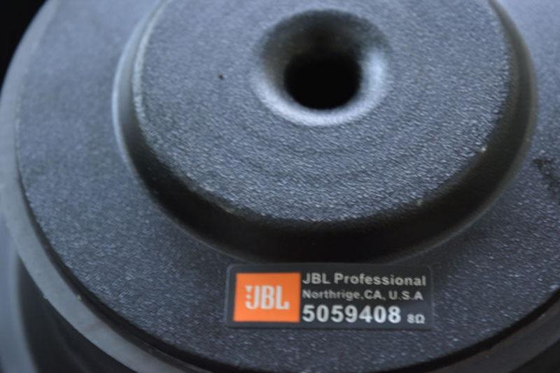 Bass loa JBL Ki 82 chất lượng chính hãng của JBL