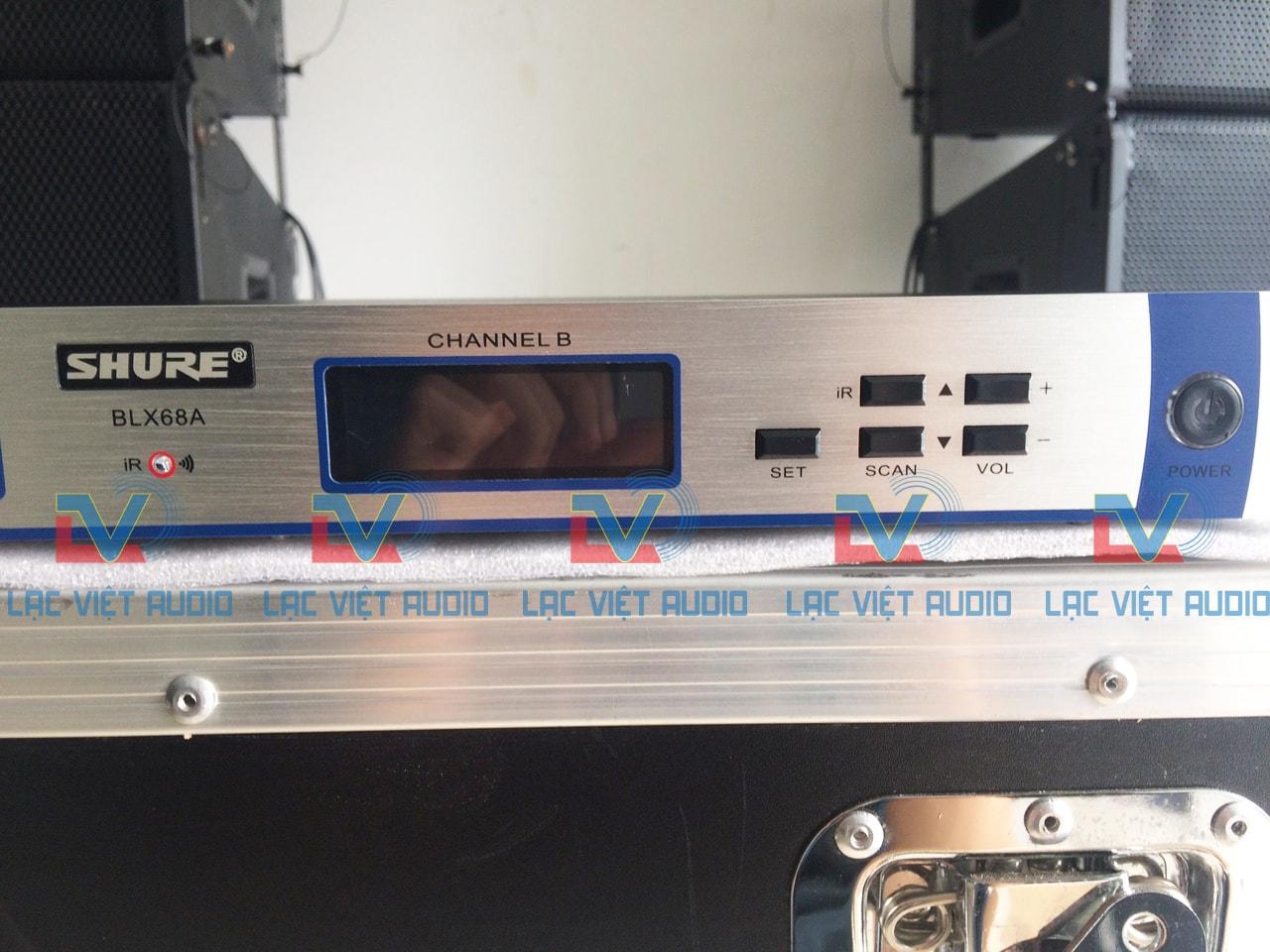 Màn hình LCD hiển thị chi tiết thông số kỹ thuật đầu karaoke