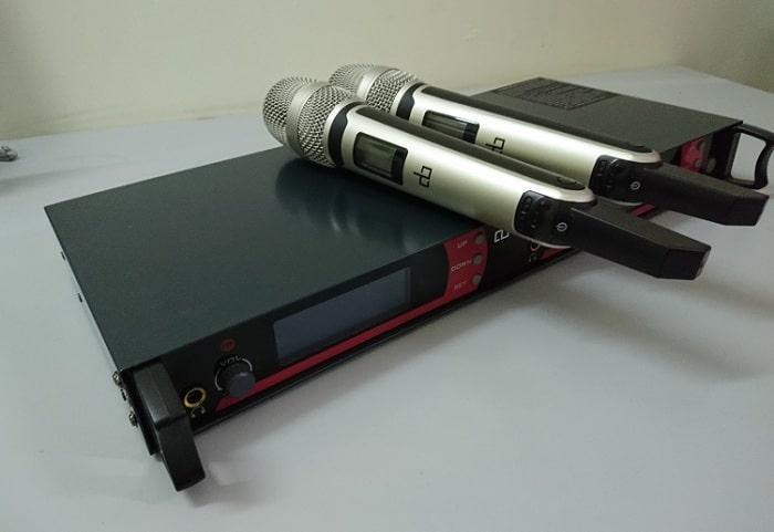 Micro không dây db UK968