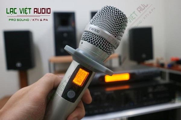 Micro là thiết bị âm thanh không thể thiếu