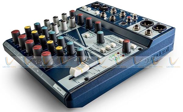 Mixer Soundcraft Notepad 8FX cho phép kết nối với các thiết bị khác