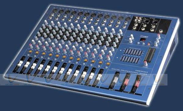 Bàn Mixer có thiết kế nhỏ gọn với sơn xanh cách điện
