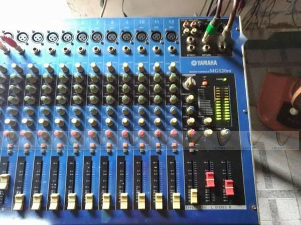 Bàn Mixer Yamaha MG 120FX
