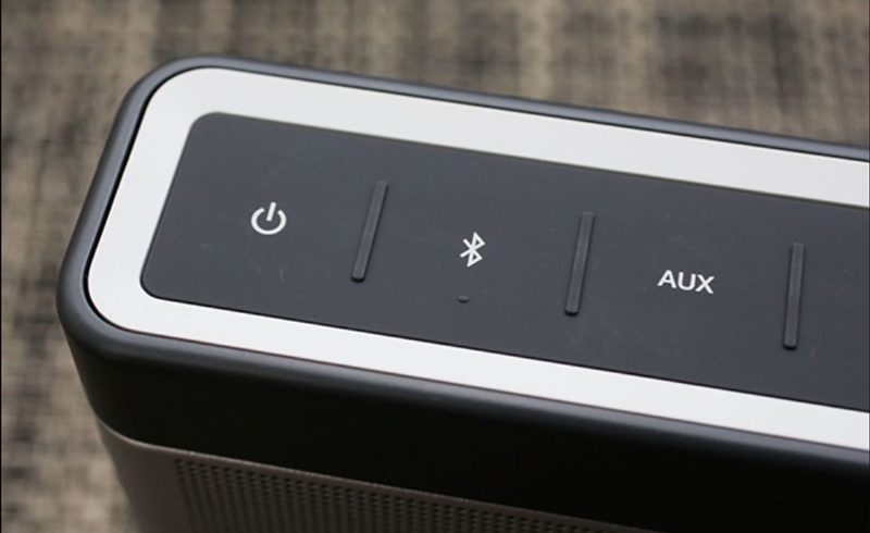 Hình ảnh nút AUX trên loa bluetooth