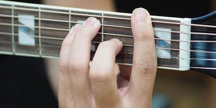 Các hợp âm cơ bản guitar được chia thành 3 nhóm chính