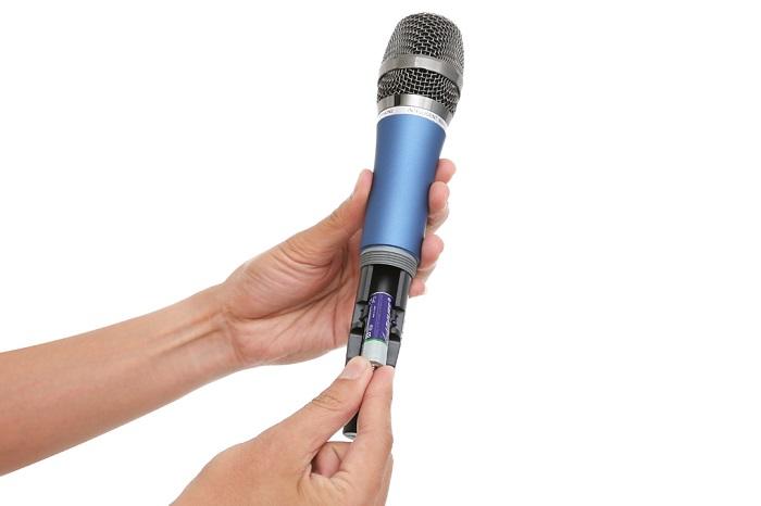 Pin yếu là nguyên nhân gây ra việc mic hát không được nhẹ