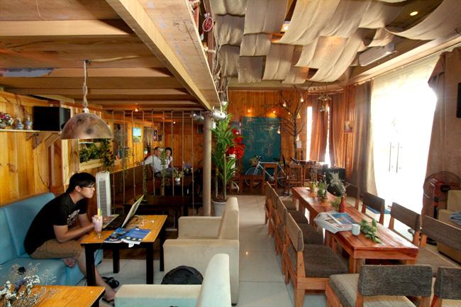 Quán Tôn Cafe chuyên nhạc Acoustic
