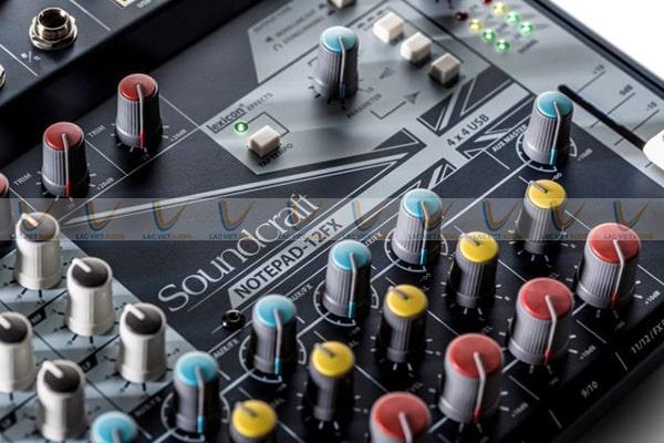 Màu sắc hiện đại với những nút điều chỉnh khác màu dễ dàng sử dụng