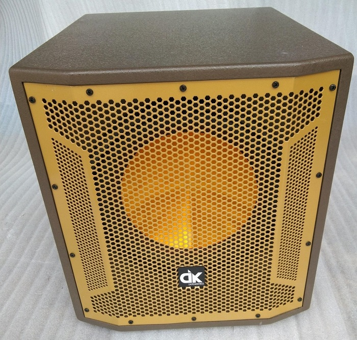 Vỏ loa sub của DK audio. Giá 2.700.000