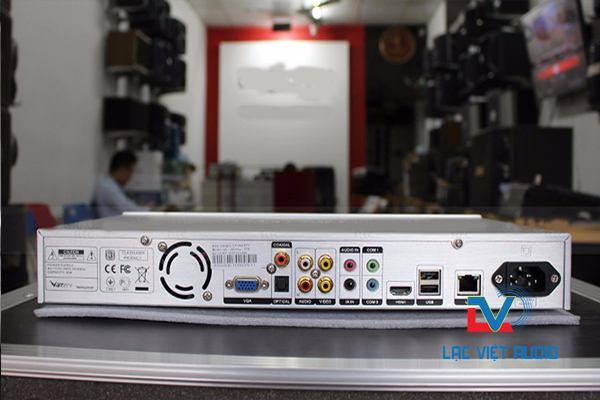 Mặt sau Việt KTV plus 3TB với nhiều jack cắm hiện đại.