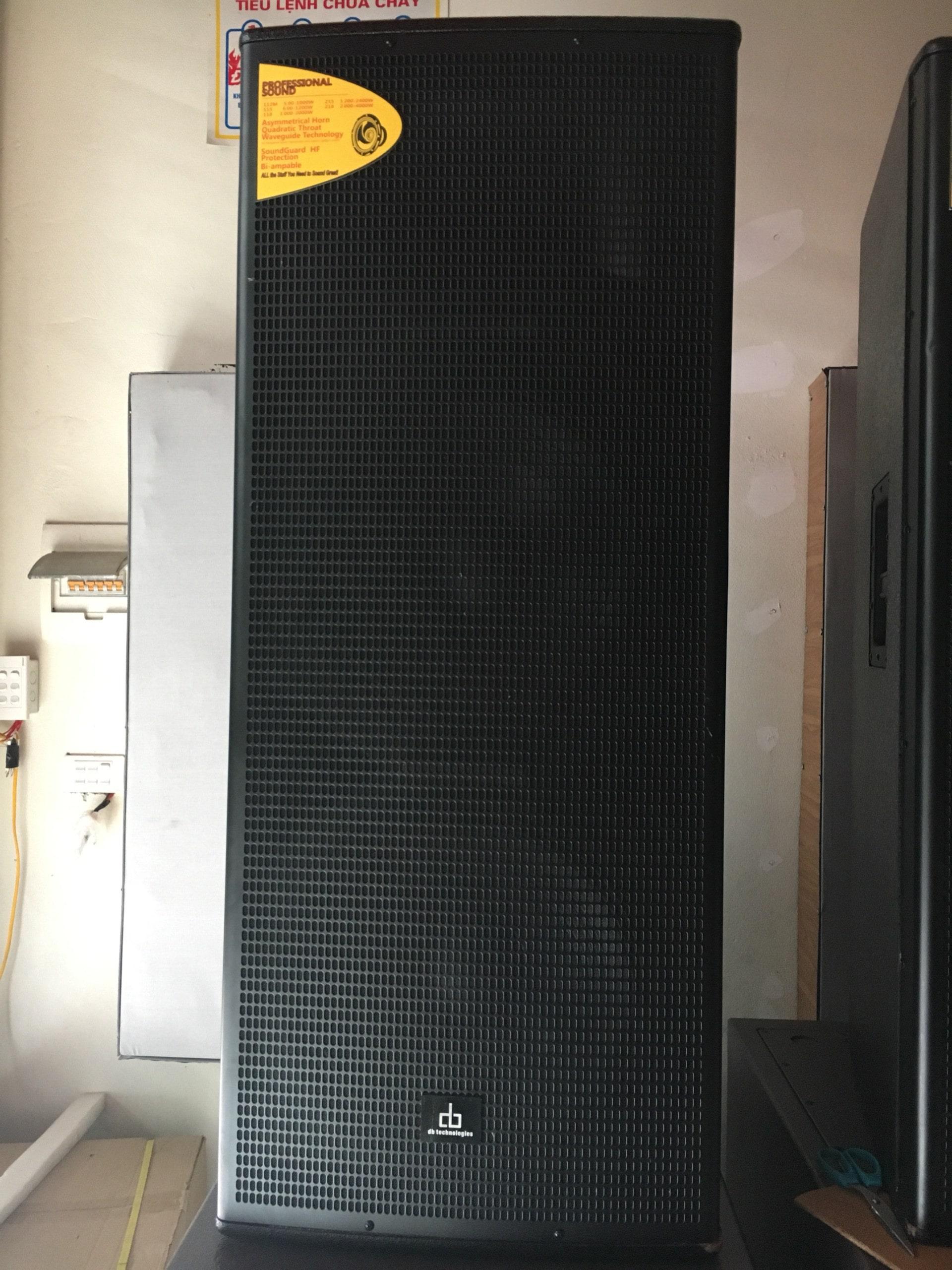 Loa hội trường công suất khủng DB CTX 425