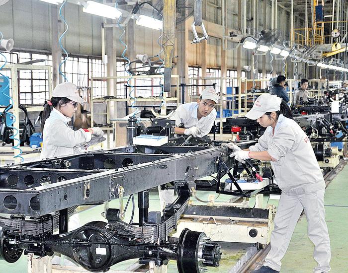Phân xưởng được lắp đặt hệ thống loa nén phóng thanh chuyên nghiệp