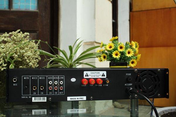 Mặt sau amply DB LP-60F
