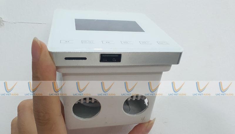 Asima AX-415hỗ trợ nhiều đầu phát USB/SD