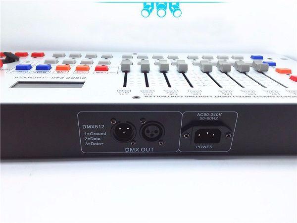 Mặt sau Bàn điều khiển ánh sáng DMX240