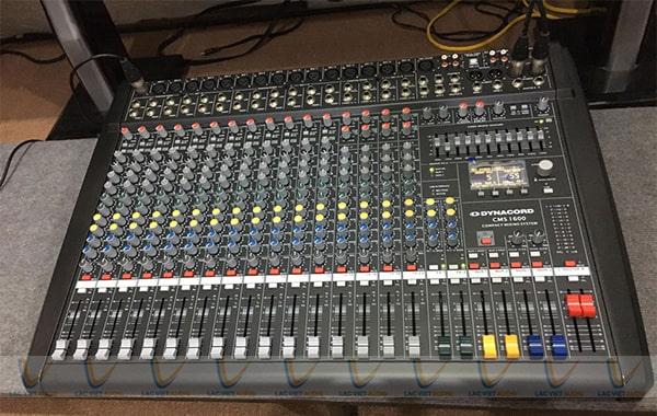 Mixer cho khả năng chỉnh âm chi tiết và chuyên nghiệp hơn