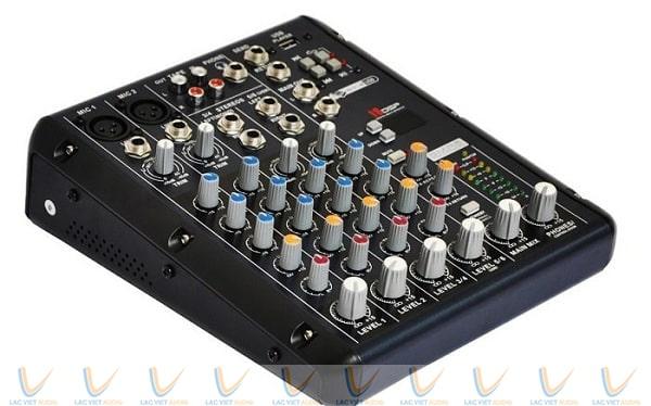 Mixer mini Yamaha SMR6-USB
