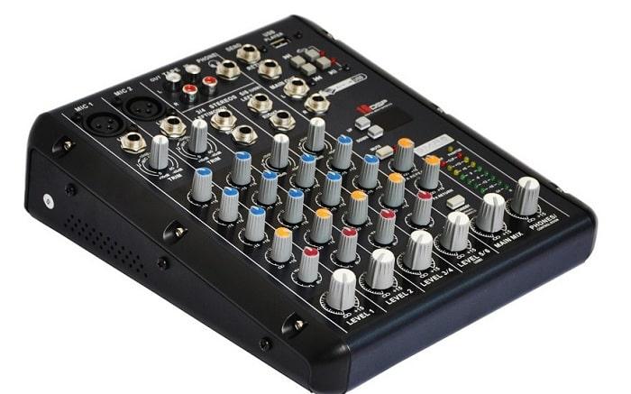 Bàn mixer mini Yamaha SMR6-USB