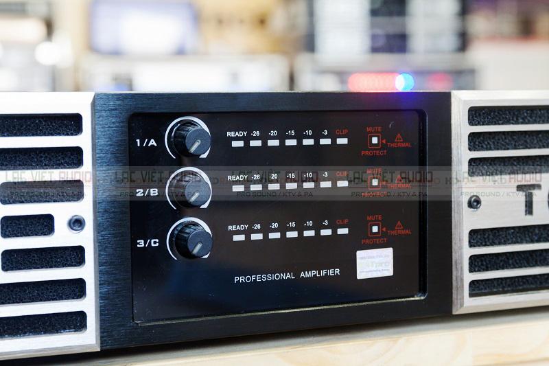 Mặt trước chứa các đường tín hiệu và volume âm lượng của sản phẩm