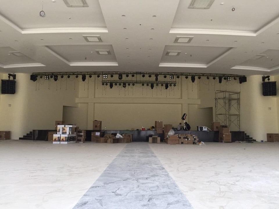 Bộ dàn âm thanh sân khấu hội trường sử dụng cho 1000 khách trong hội trường tiệc cưới