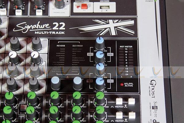 Thiết kế đẹp mắt hiện đại của Soundcraft Signature 22 mixer