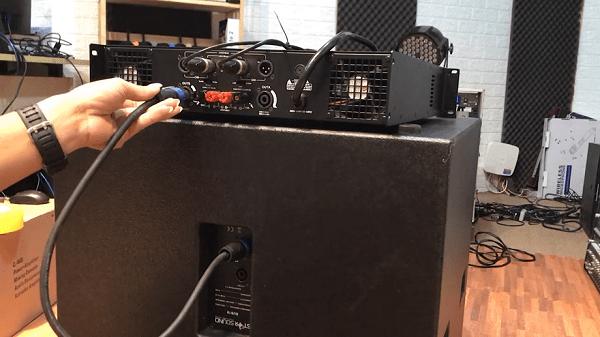 Cách đấu loa sub điện vào cục đẩy