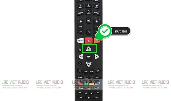 """Bấm 3 lần nút """"lên trên"""" trên điều khiển tivi, chọn Thiết lập/Hệ thống/Bluetooth"""