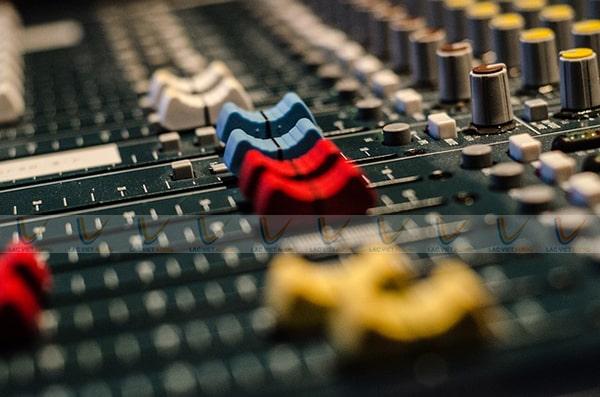 Mixer - thiết bị trộn và xử lý âm thanh chuyên nghiệp cho bộ dàn tại Lạc Việt Audio
