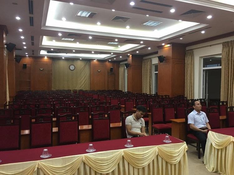 Phòng hội thảo diện tích 160M2-200M2 sử dụng hãng âm thanh DB