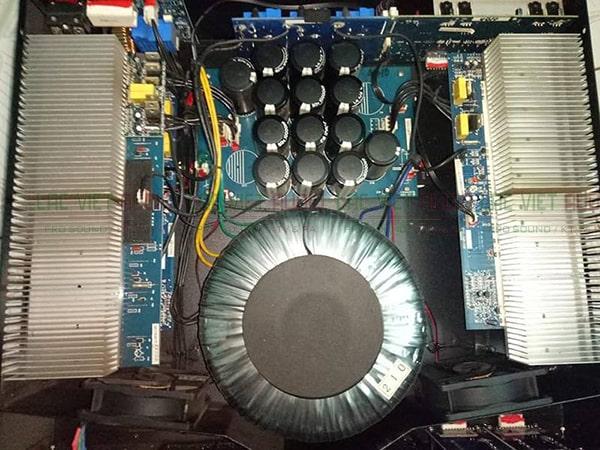 Cấu tạo bên trong cục đẩy công suất bãi B3