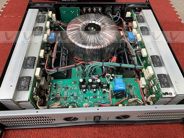 Chi tiết linh kiện bên trong cục đẩy bãi sò Sanken 2SC 2U-500