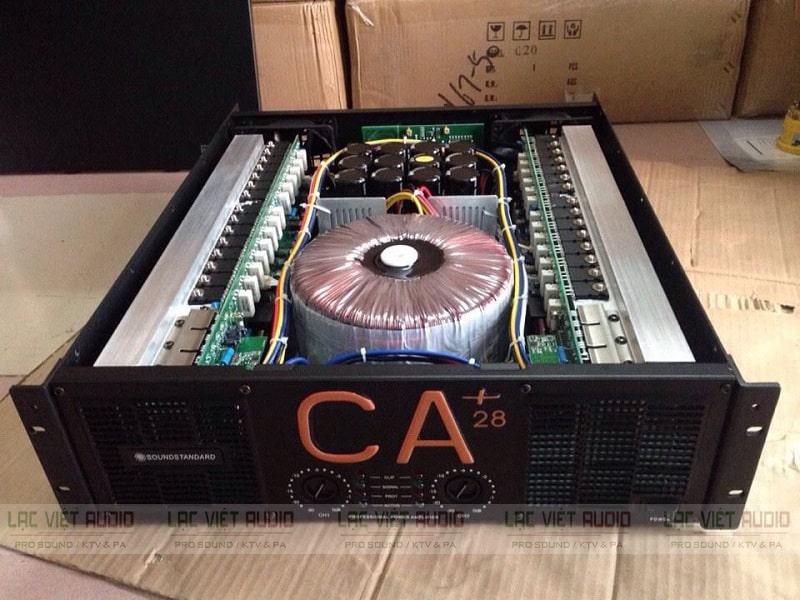 Chi tiết thiết kế bên ngoài và linh kiện bên trong cục đẩy công suất CA 28