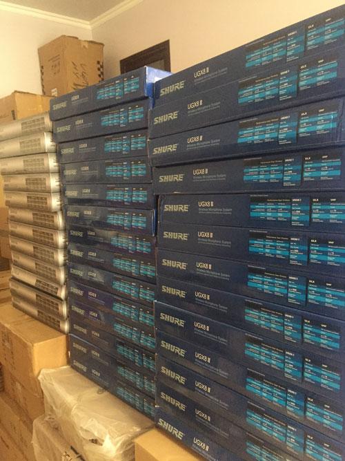 Chuyên bán buôn bán lẻ micro không dây UGX8 II loại 1 trung quốc