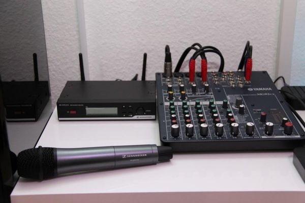 Có nên sử dụng mixer karaoke gia đình không?