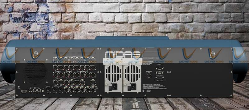 Cổng kết nối được trang bị tại mặt sau của mixer Midas Pro2 CC TP
